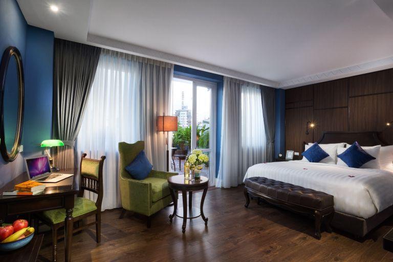 Royal Terrace Suite Room
