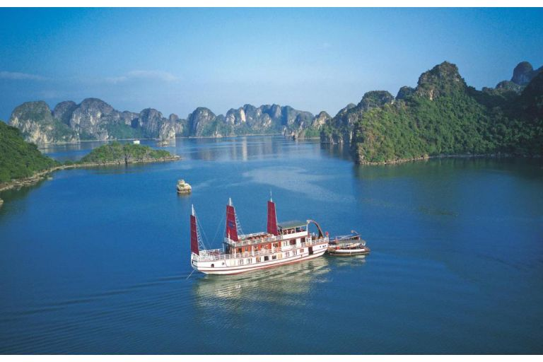 Hanoi – Halong – Sapa - Moc Chau ( 9 Days - 8 Nights)