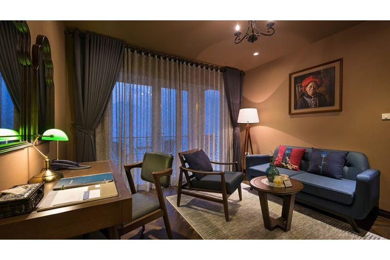 Suite Balcony Room