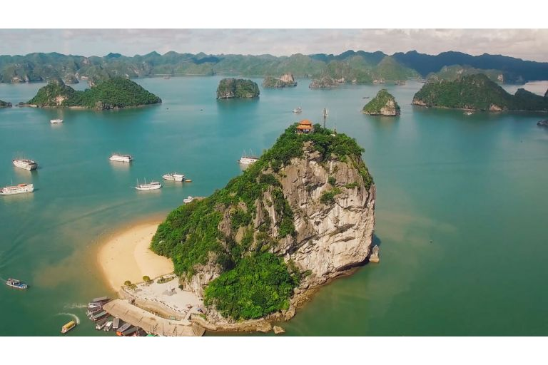 Hanoi - Halong - HoaLu (6 Days - 5 Nights)